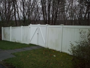 Roof Clean Plus Pvc Fencing Cleaning Off Dirt And Green